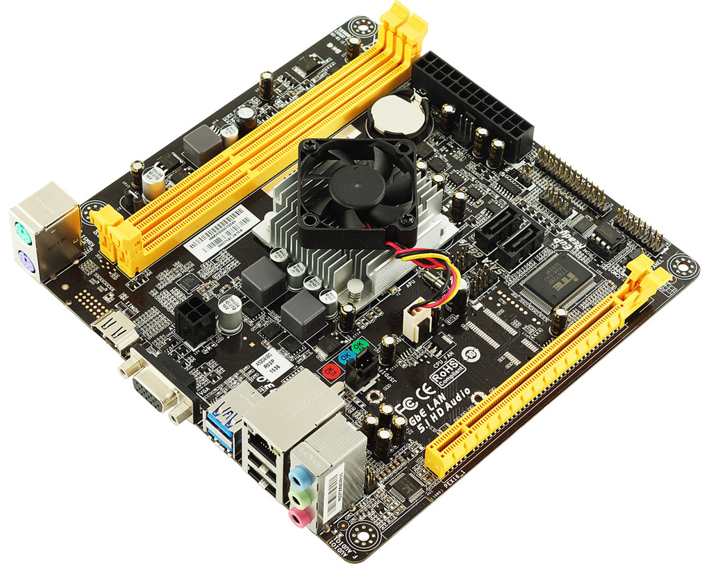 A68N-5200 AMD CPU a bordo gaming motherboard